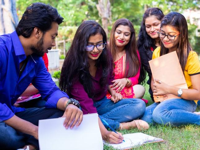 Indian students on campus. It seems unlikely that online or blended learning would find an environment to thrive in India